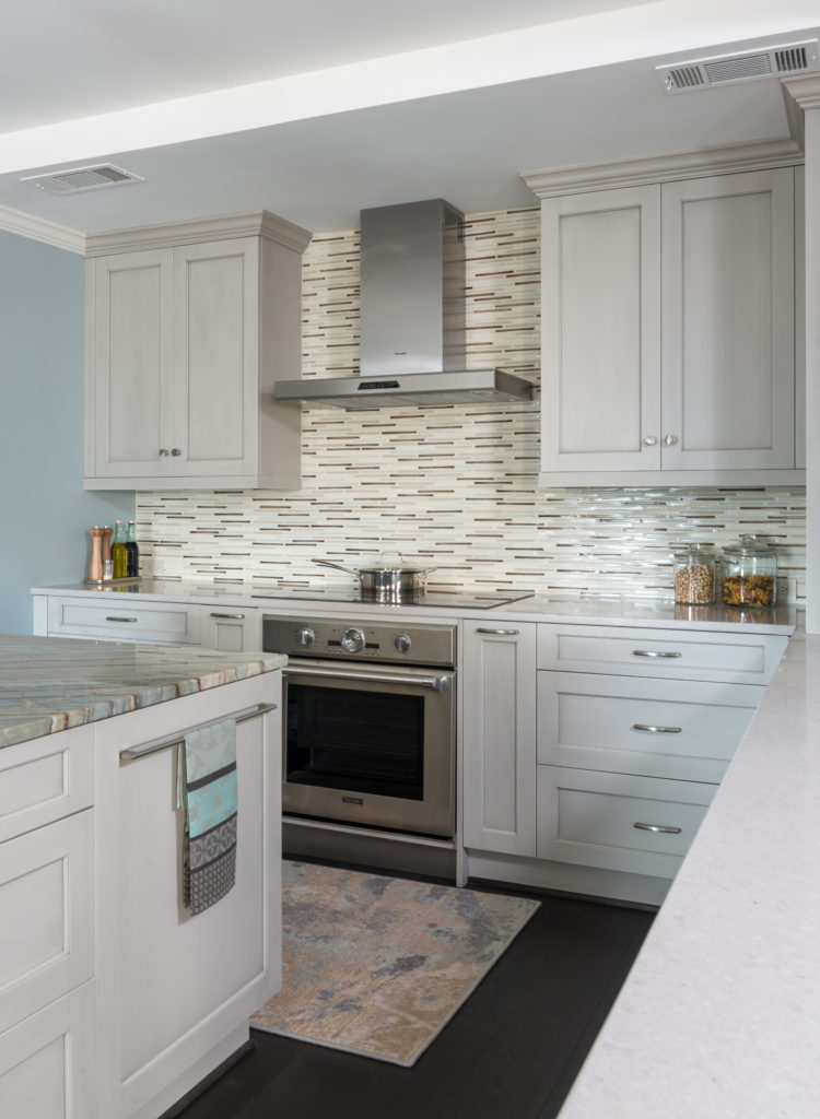 Kitchen TowelBar side of island and range wallDR-27